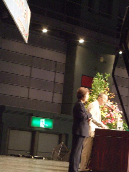 岐阜県演説会で演説する笠井あきら党政策委員長