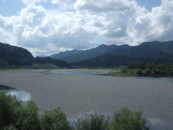 大井川の風景
