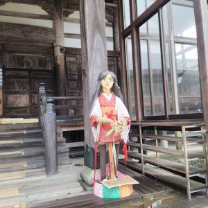 高岡市中田地域にあるお寺を訪問しました。