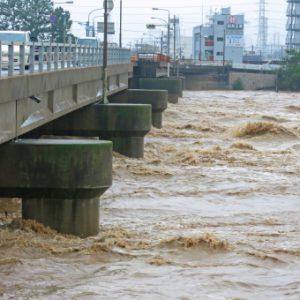 浸水対策強化・排水路整備の促進を 14地区が完了し今年度は成美・下関地区の改修を進めている。《都市創造部長が答弁》